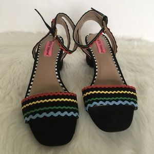 Betsy Johnson Black Suede Sandals W/ Ric Rac 9